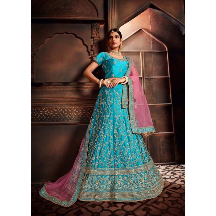 Heavy Designer Embroidred Good Looking Lehenga Choli